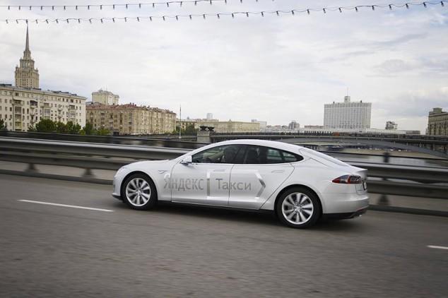 Яндекс.Такси Tesla Москва