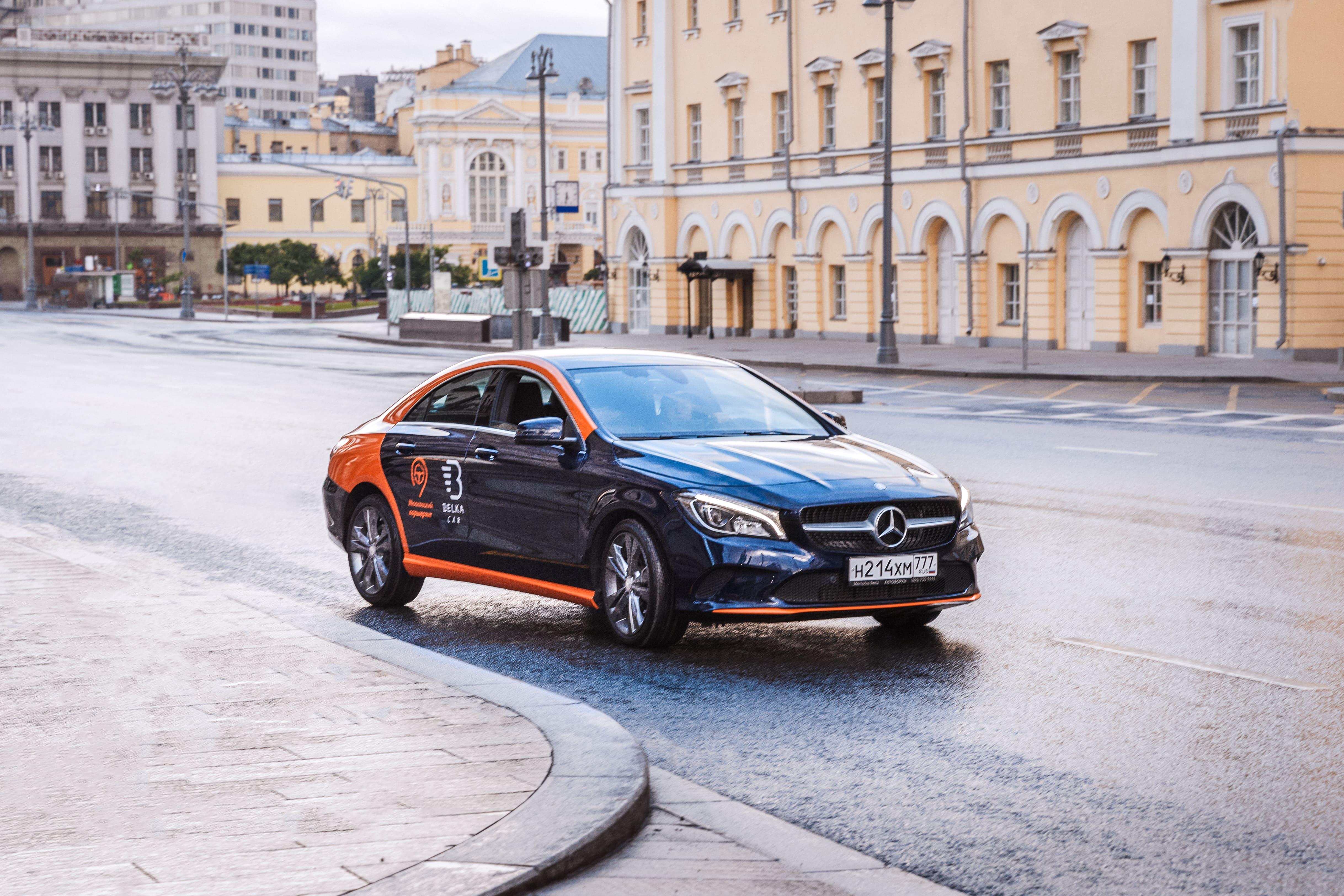 Столичные каршеринги начали закупать Mercedes и БМВ